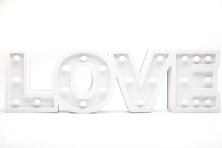 Wooden 'HOME' or 'LOVE' Sign Light for £11.99
