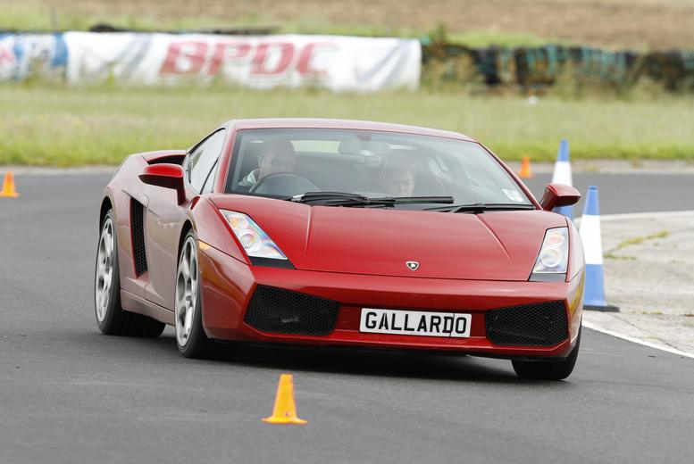 From £39 for a three-lap Lamborghini Gallardo drive experience with Supercar Test Drives - choose from five locations and save up to 74%
