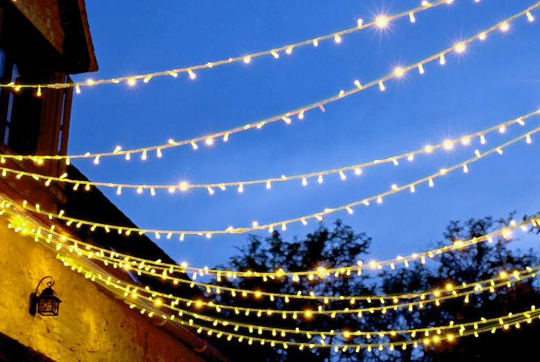 £6.99 instead of £29.95 for a string of 100 White Solar Lights - save 77%