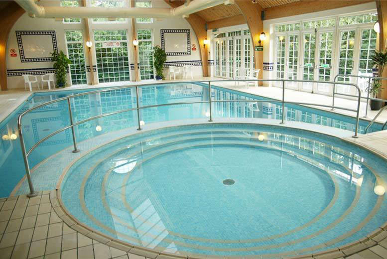 4* Tunbridge Wells Stay, Leisure Access, Dinner and Breakfast for 2