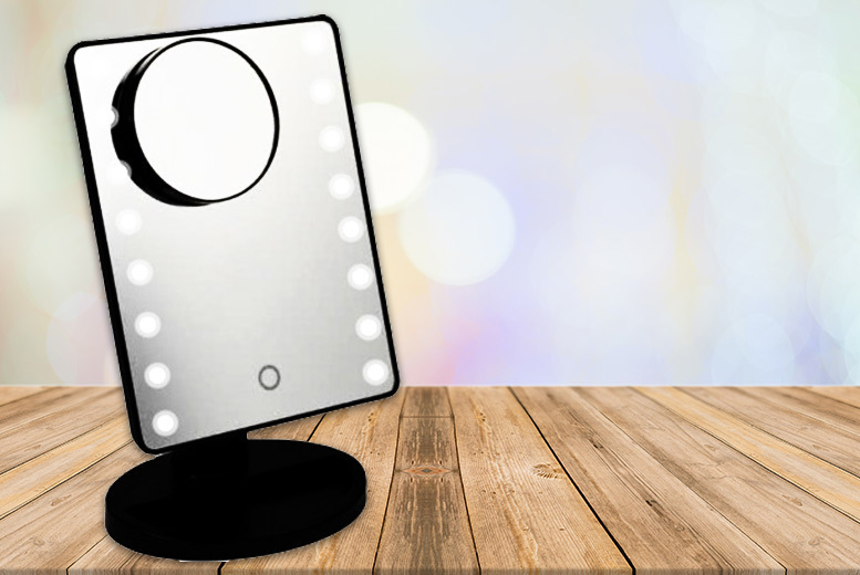 16-LED Light Mirror with Magnifier for £13.99
