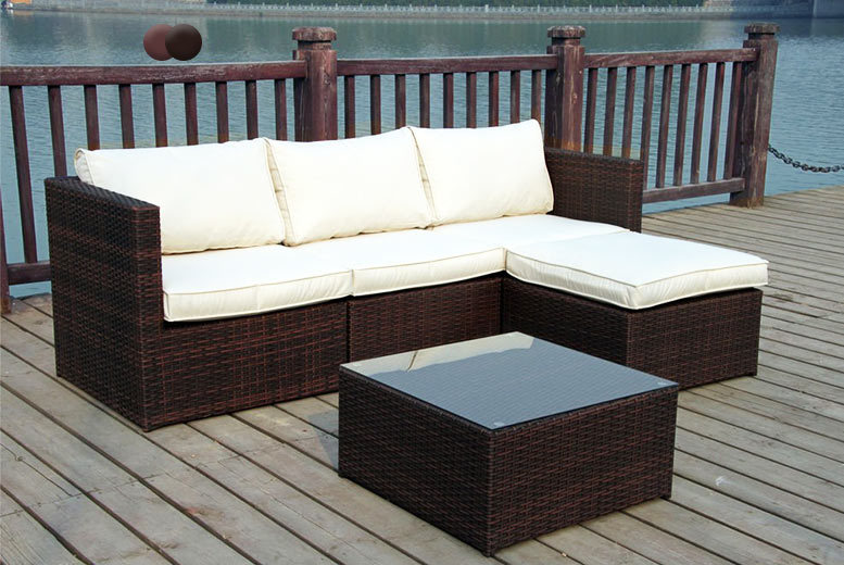 £299 instead of £499 (from Furniture Instore) for a four-seater rattan corner sofa set - choose black or brown and save 40%