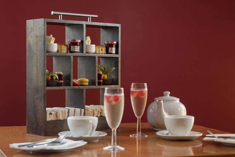 £29 for a leisure access pass with sparkling afternoon tea for two, £56 for four or £84 for six people at Hilton East Midlands Airport - save up to 33%
