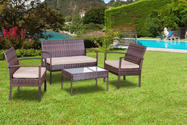 £89 instead of £499 for a four-piece rattan garden sofa set – choose from brown or red and save 82%