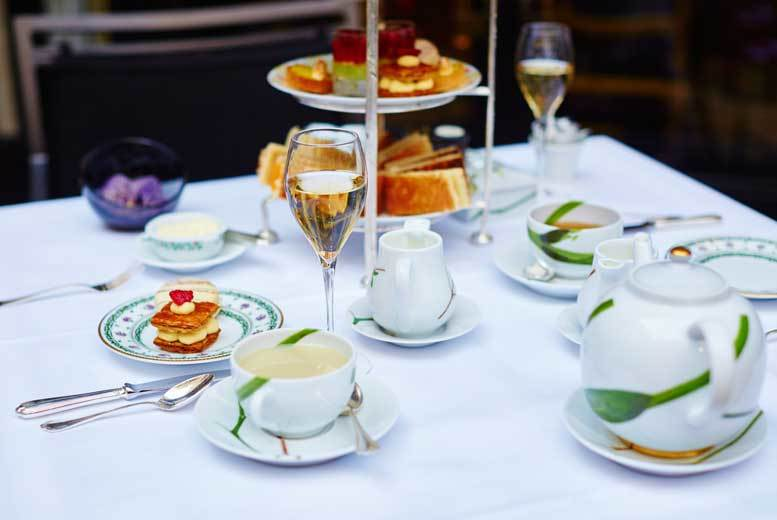 £17 instead of £35.90 for Prosecco afternoon tea for two people, £33 for four people at Bredbury Hall Hotel - save up to 53%
