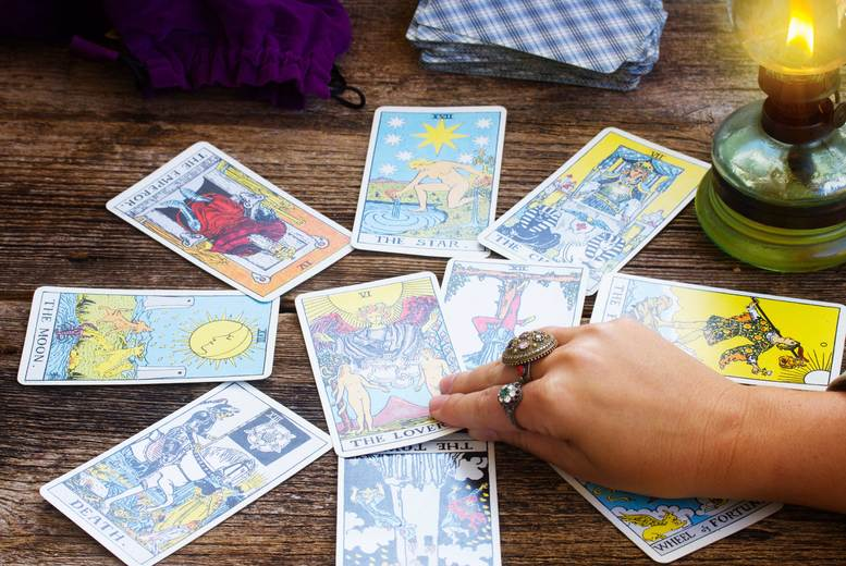 £9 instead of £20 for a face to face tarot reading from Rachelle's Reiki and Readings, Glasgow - save 55%