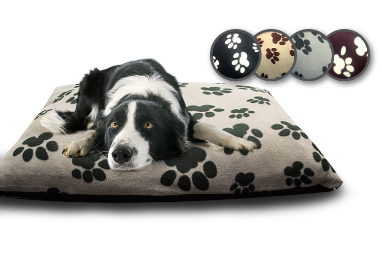 £7.99 instead of £39.99 for a 69cm x 94cm fleece dog bed, £15.99 for two, £15.99 for a 94cm x 145cm bed, £31.99 for two - save up to 80%