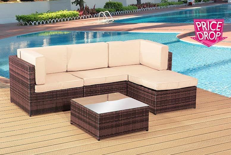 £249 instead of £882.18 for a four-seater rattan corner sofa set - save 72%