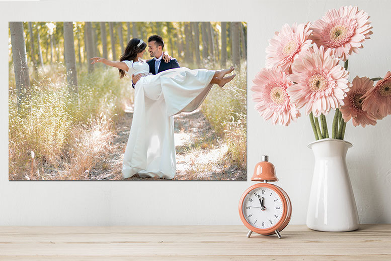 £3.99 instead of 39.99 (from Deco Matters) for a personalised A3 photo on canvas, or £8.99 for an A2 canvas - save up to 90%