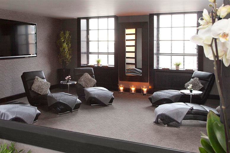 £39 instead of £60 for a two-treatment pamper package at 200 SVS, Glasgow - save 35%
