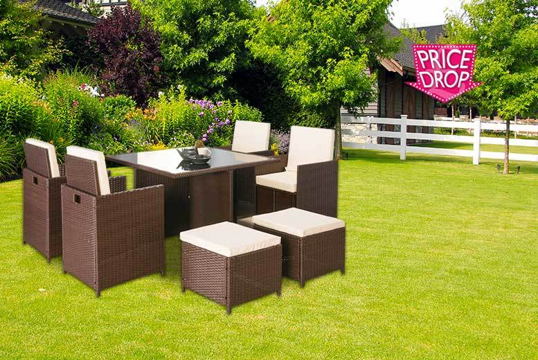 £329 instead £1369.01 (from Furniture Italia) for a nine-piece rattan furniture set - choose black or brown and save 76%
