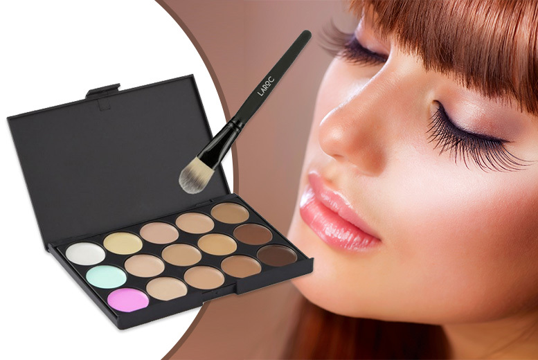 15 Shade Contour Palette & Soft Foundation Brush from £3.98