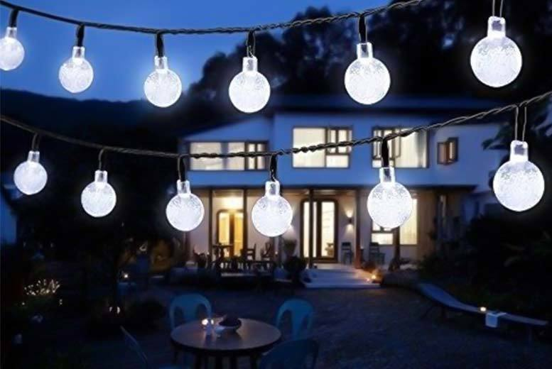 £9.99 instead of £39.99 (from EFMall) for a set of LED outdoor and indoor bubble light bulbs - choose white or coloured save 75%