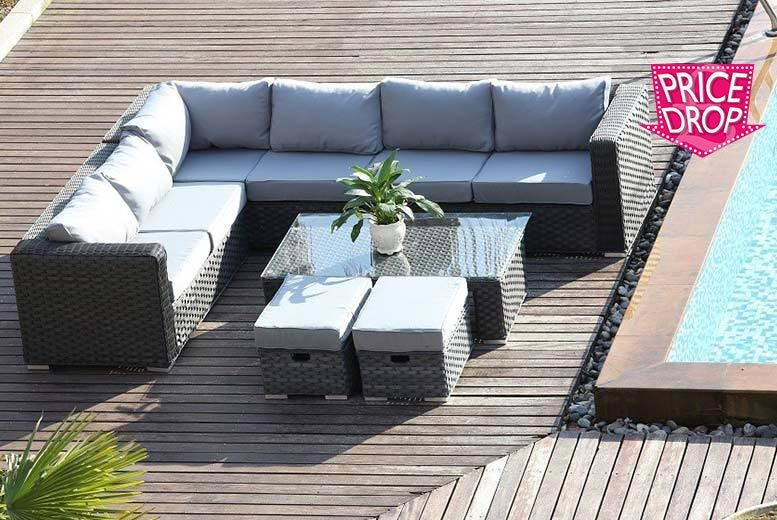 £479 instead of £975 (from Dreams Outdoors) for an eight-seater L-shaped rattan furniture set - save 52%