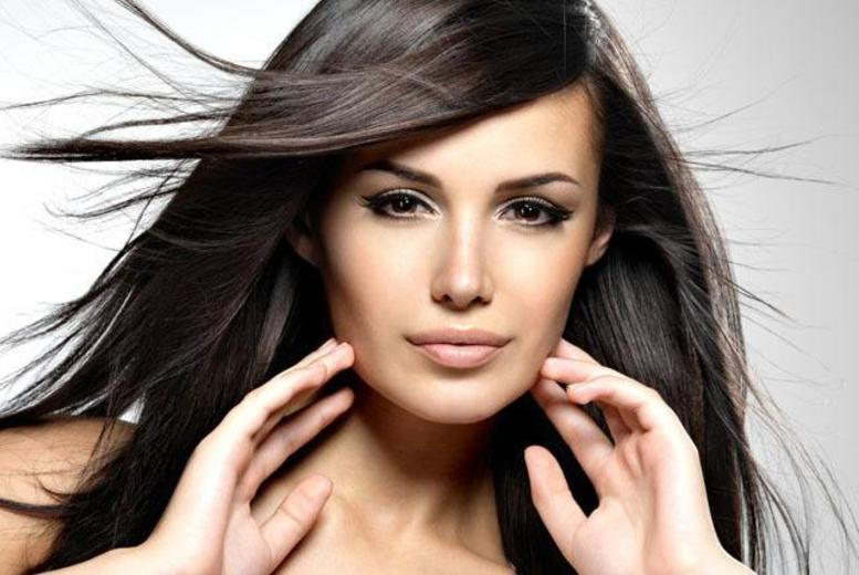 £42 instead of £280 for a Brazilian blow dry at Lux Studio, Ilford or London - save 85%