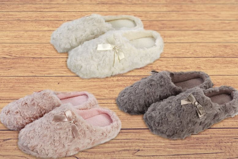 Women's Curly Faux Fur Slippers – 3 Colours! for £7.99