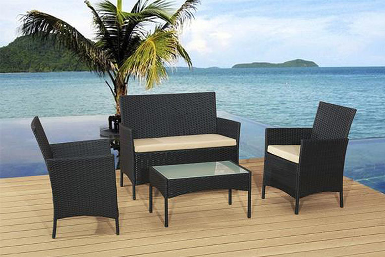 £89 instead of £499 (from Alexander Morgan) for a four-piece rattan garden sofa set - choose from brown or red and save 82%