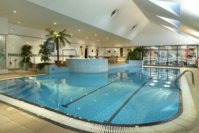 £29 for a leisure access pass with sparkling afternoon tea for two people, £56 for four people or £84 for six people at Hilton East Midlands Airport - save up to 34%