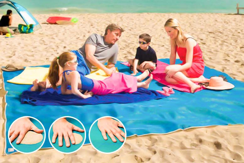 Magic Anti-Sand Beach Mat – 3 Colours! for £9.99