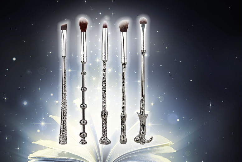 5pc Harry Potter-Inspired Wand Makeup Brush Set for £5.99