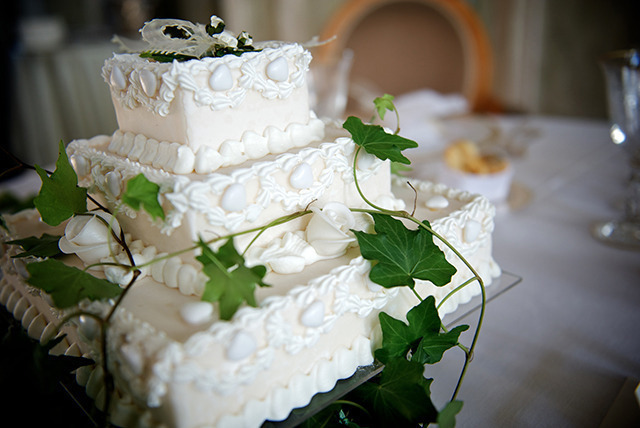 wedding cake deals uk 3 tier wedding cake nottingham wowcher 22357