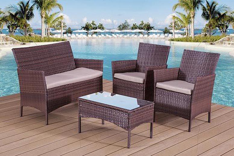 £89 instead of £480 (from Alexander Morgan) for a four-piece rattan garden sofa set - save 81%