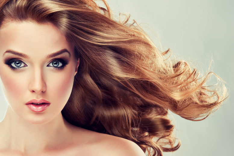 £19 for a cut and blow dry with a Moroccan Oil treatment, or £34 for cut, blow dry and half head of highlights at Passion Hair, St John's Wood - save up to 63%
