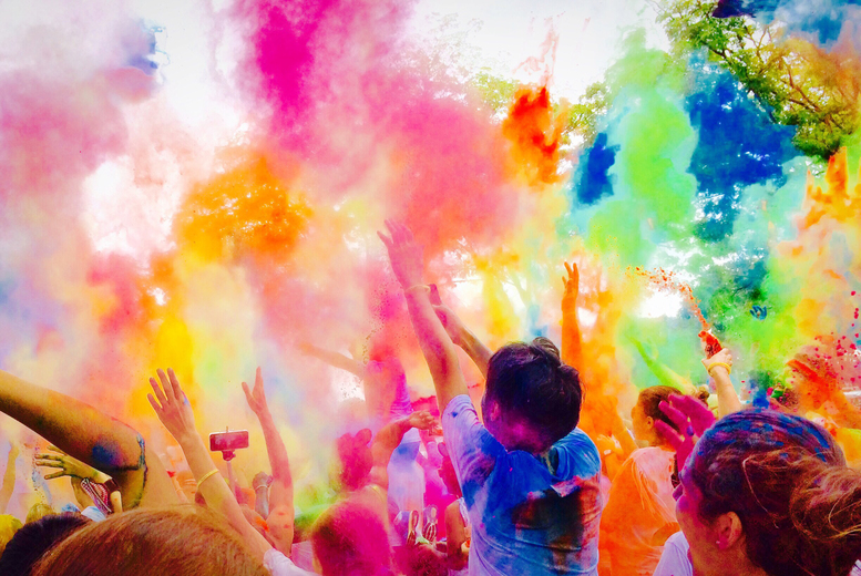 £9 instead of £15 for an adult ticket to the 5K Fun Colour Rush run, £15 for two or £19 for a family ticket on 25th Sep at St Nicholas Park, Warwick - save up to 40%