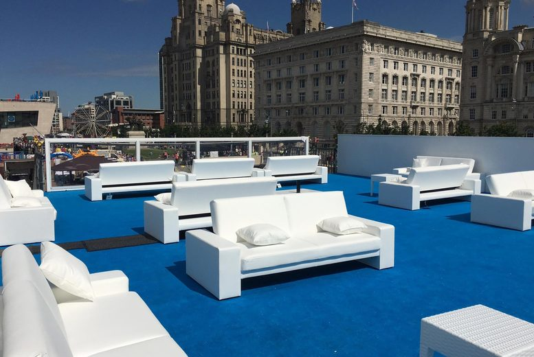 £10 instead of £50 for a VIP roof terrace experience including a flute of bubbly on arrival at Bubbles Champagne Bar, Pier Head - save 80%