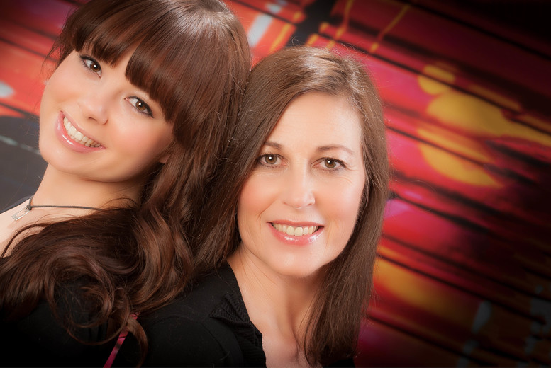 £9 instead of £249 for a mother & daughter photoshoot from Colin Charles Photography - save 96%