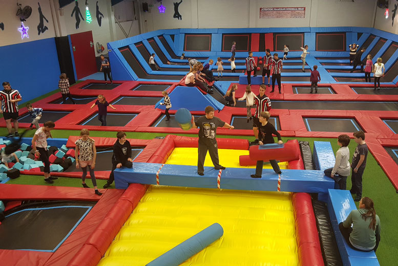 From £130 for a trampoline party for ten kids at Boing Zone Trampoline Park, Birmingham - save up to 13%