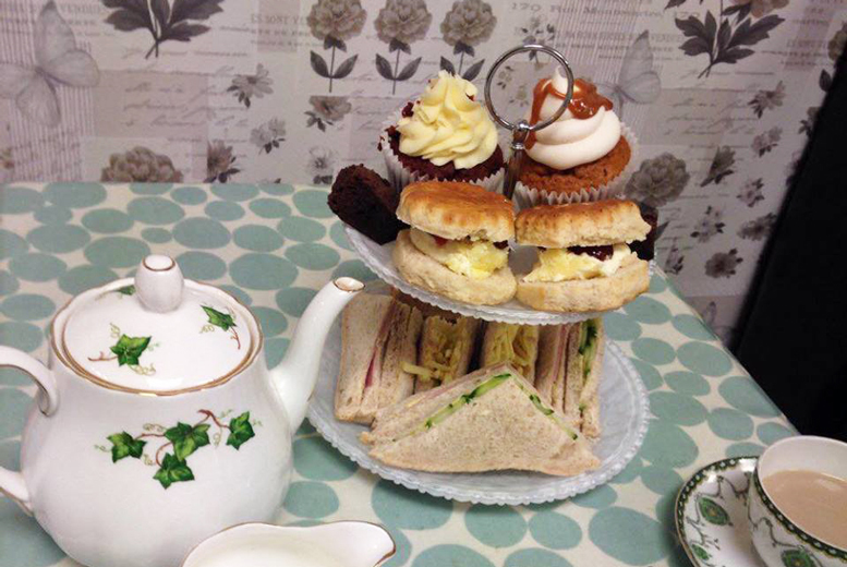 £12 for a vintage sparkling afternoon tea for two people, £19 for four people at Mom 'n' Co, Stourbridge