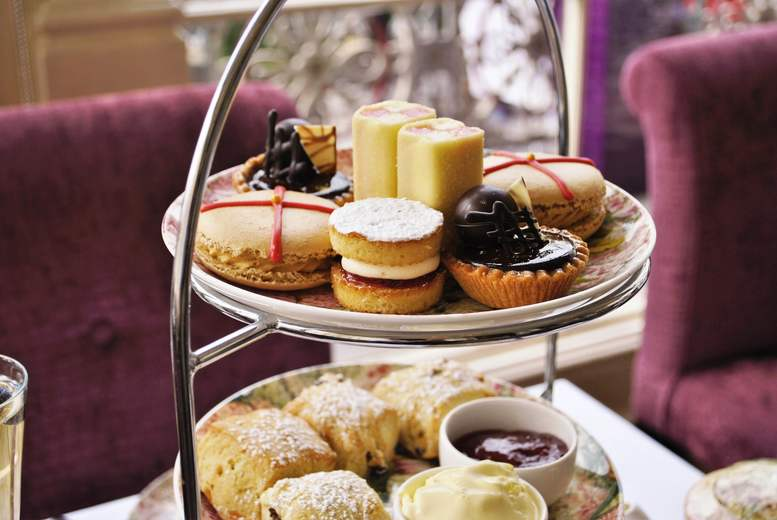 £39 instead of £68.90 for a 'royal' afternoon tea with for two people at the Amba Hotel Charing Cross - save up to 43%