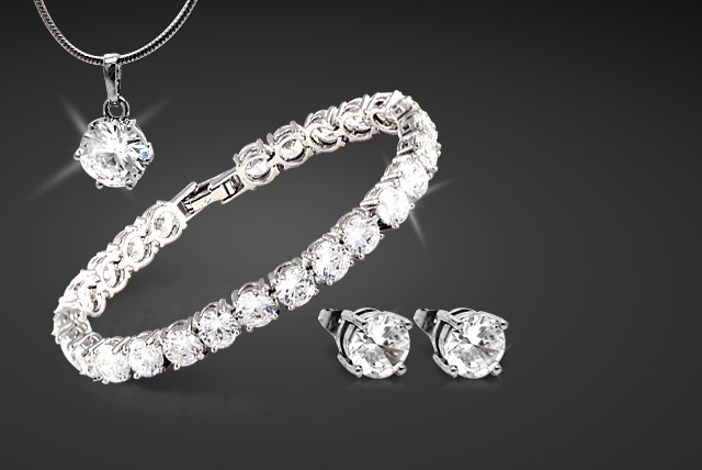 £19 instead of £120 (from Cian Jewels) for a prestige trio Swarovski Elements® tri set - dazzle & save 84%