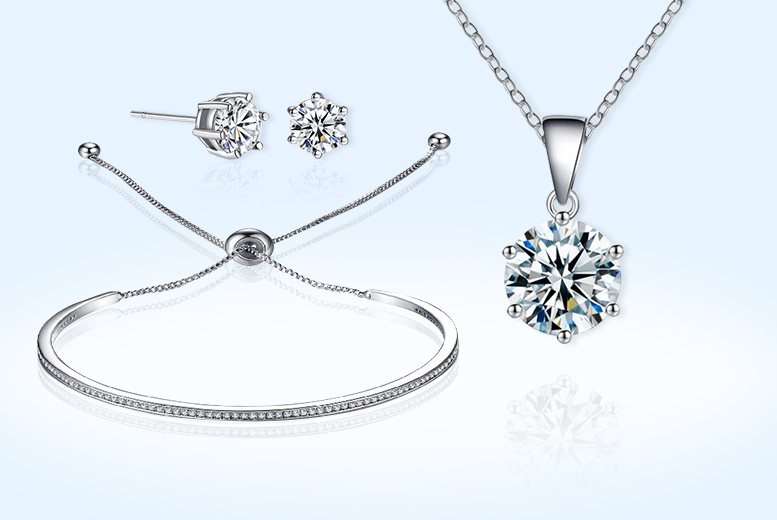 Friendship Solitaire Set Made with Crystals from Swarovski® for £19.00