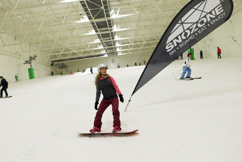 £99 instead of £175.99 for an eight hour beginner day course in skiing or snowboarding from Snozone - save 44%