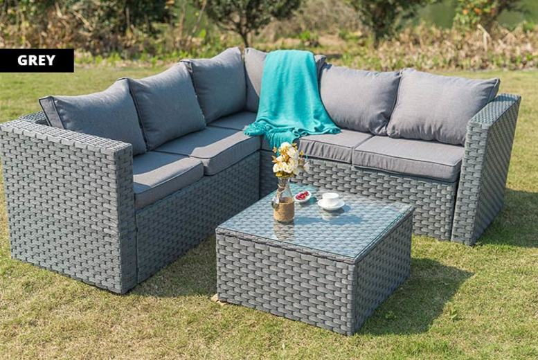 5Seater Yakoe Monaco Rattan Outdoor Sofa Set  4 Colours!