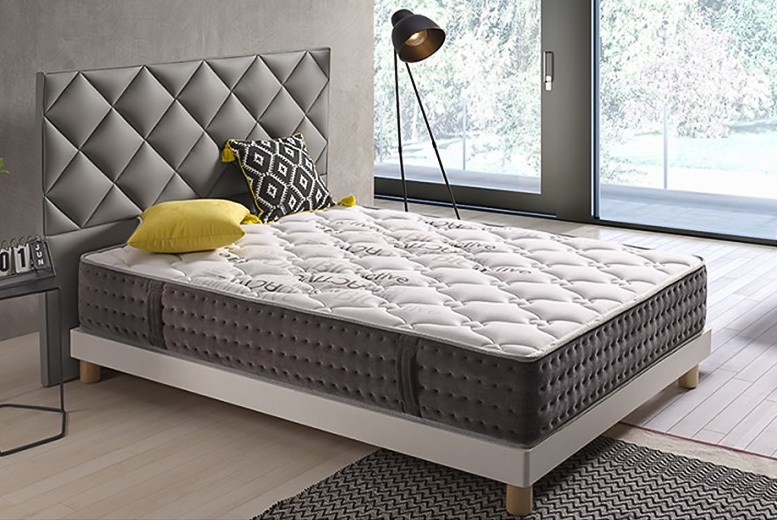 Luxury Extra Thick 3D Padded Memory Mattress with Handles