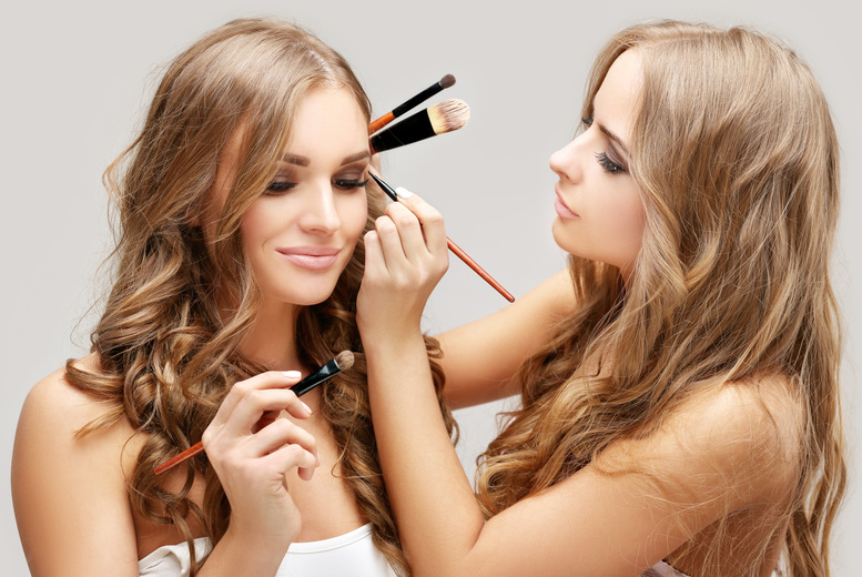 £19 instead of £79 for a three-hour MAC makeup masterclass for one at AGL Make-Up & Beauty Training Academy - save 76%