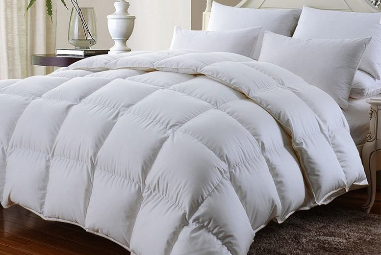 13.5 Tog Goose Feather & Down Duvet – 4 Sizes! from £23.99