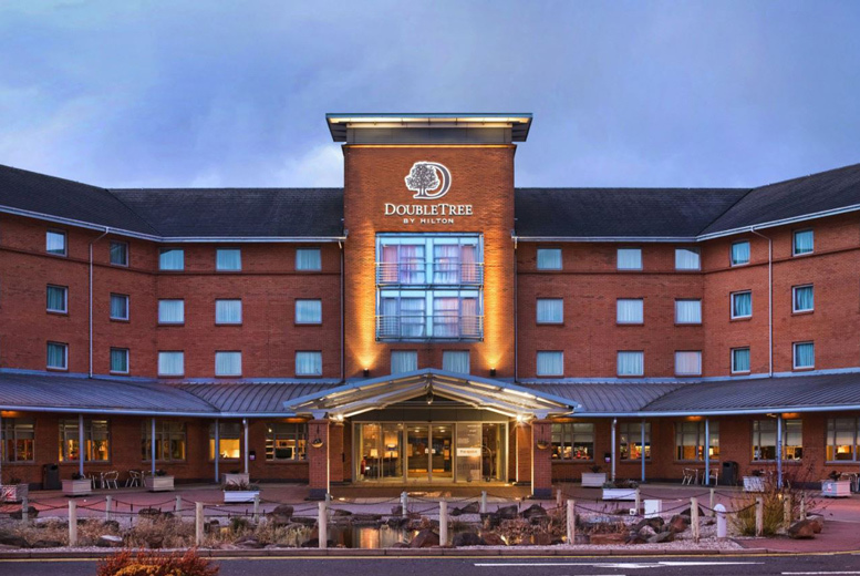 Glasgow: DoubleTree by Hilton Strathclyde Stay, Dinner & Prosecco for 2 from £109