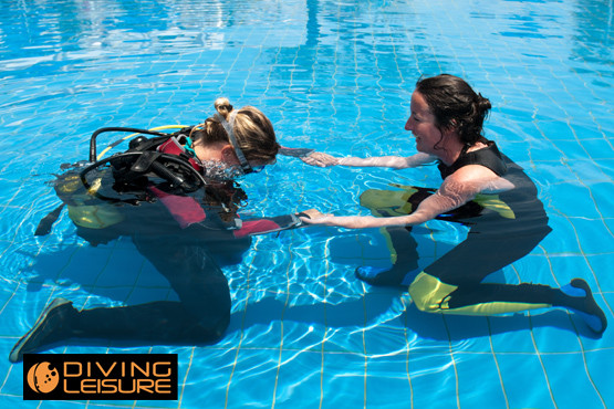 £10 instead of £30 (at Diving Leisure, Leeds) for a 4 hour PADI Discover Scuba diving experience including all tuition and equipment - save 67%