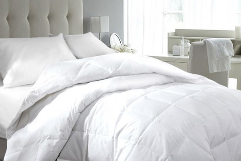 Hotel-Quality 13.5 Tog Goose & Down Duvet – 4 Sizes! (£23.99)