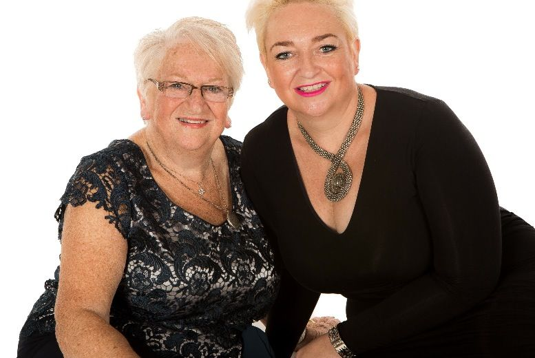 Christmas Mother & Daughter Photoshoot