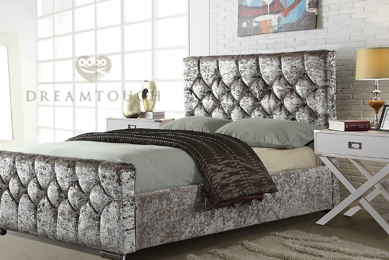 Chesterfield Diamond Bedstead - 3 Colours & 8 Options!