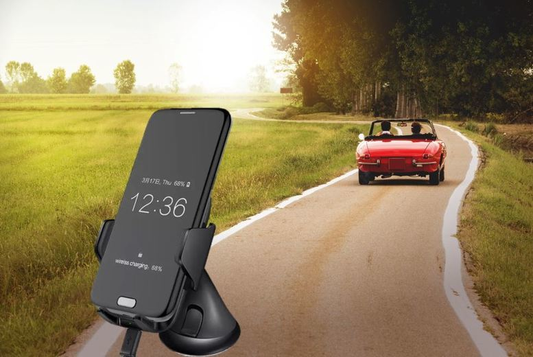 £19 instead of £89.99 for a universal wireless car charger from Ugoagogo – save 79%