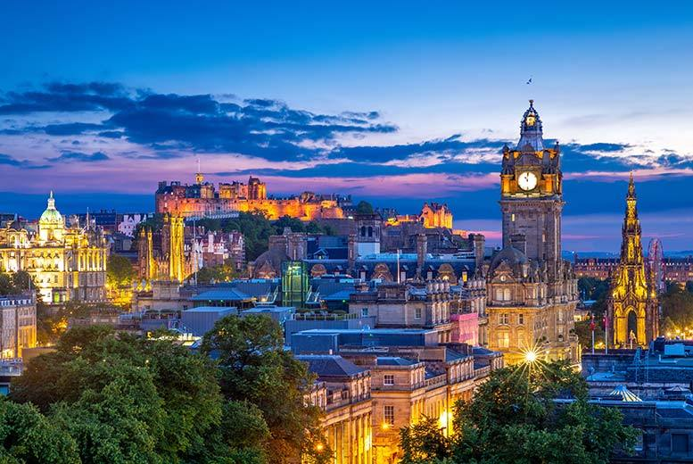 Edinburgh: Mercure Edinburgh Princes Street Stay, Wine, Dinner & Breakfast for 2 from £115